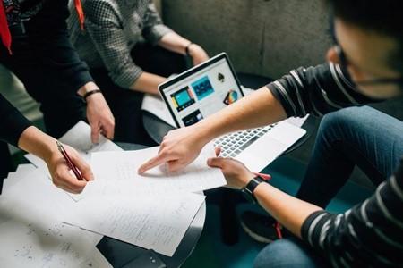 AWSエンジニアの業務内容や転職に必要な知識は?