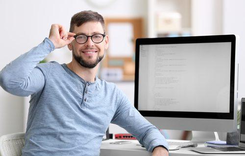 正社員型派遣としてシステムエンジニアが働く7つのメリット|IT業界の現状を知ろう