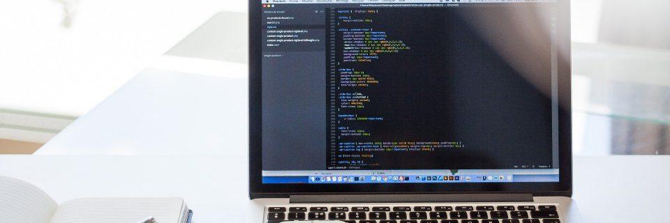 Pythonを使ってできることは?将来性や求められるスキルを解説