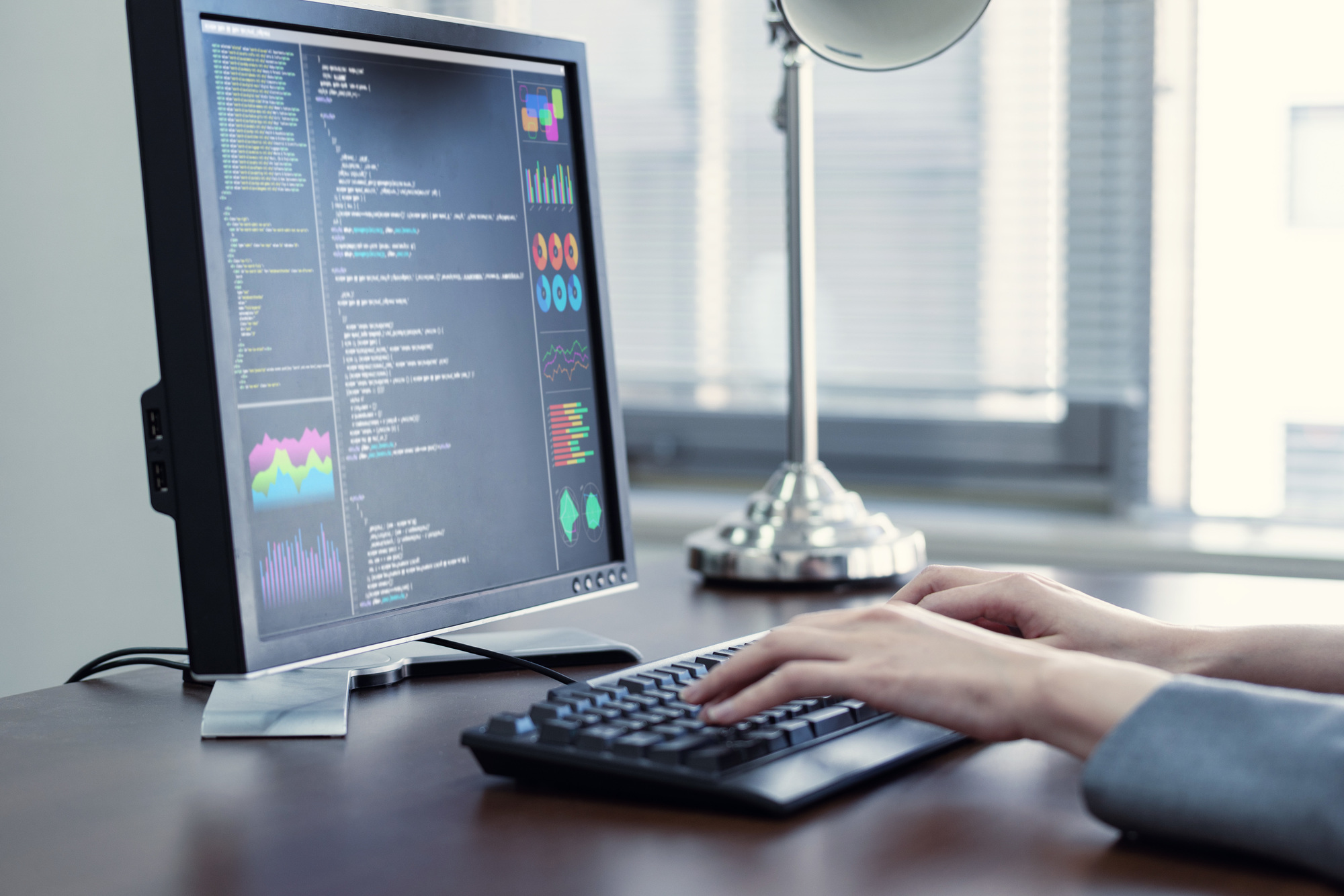 PythonでのDTOクラスとは?基本的な使い方や辞書形式やタプル形式に変換する方法を紹介します!サムネイル