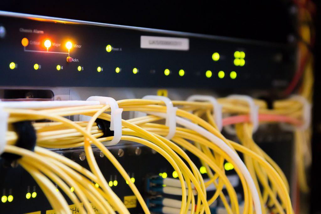 知らないと時代に乗り遅れるかも。エンジニアなら知っておきたい無線LANの「メッシュネットワーク技術」とはのイメージ