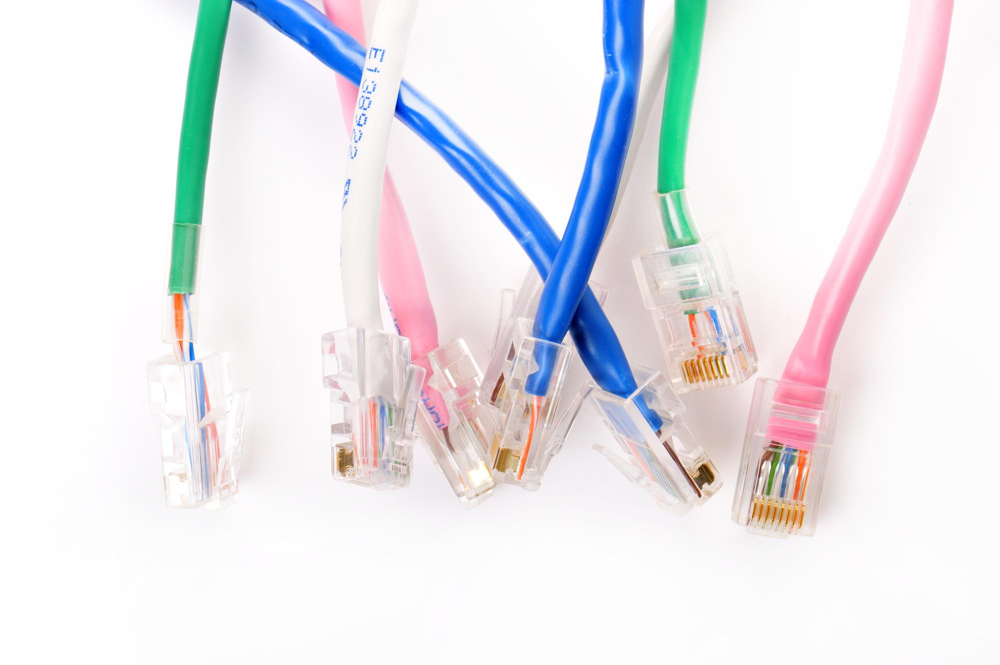【IPv6で速度アップ】IPoE方式とは何か。IPoEとPPPoEの違いも解説のアイキャッチイメージ