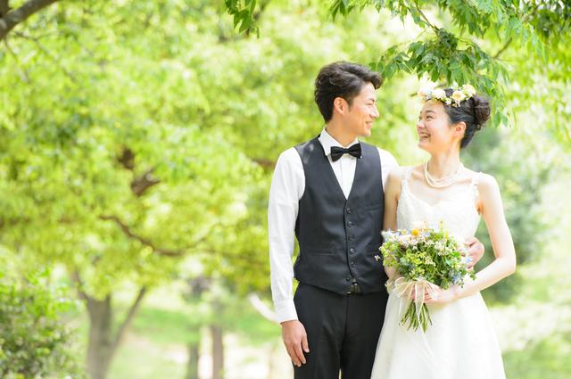 ITエンジニアの最新婚活事情が明らかに!最低年収、学歴など重要な要素が赤裸々に!のアイキャッチイメージ