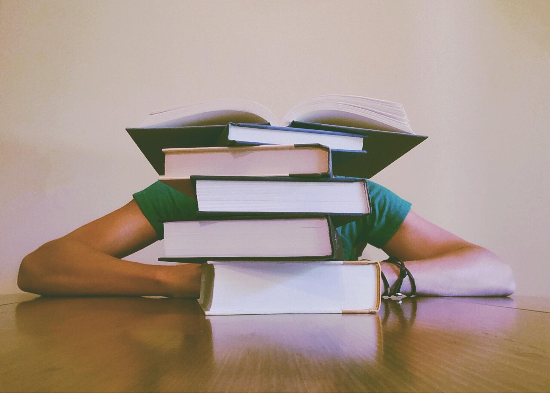 Azure学習の本5選|初心者でもわかりやすい勉強のポイント3つをご紹介!のアイキャッチイメージ