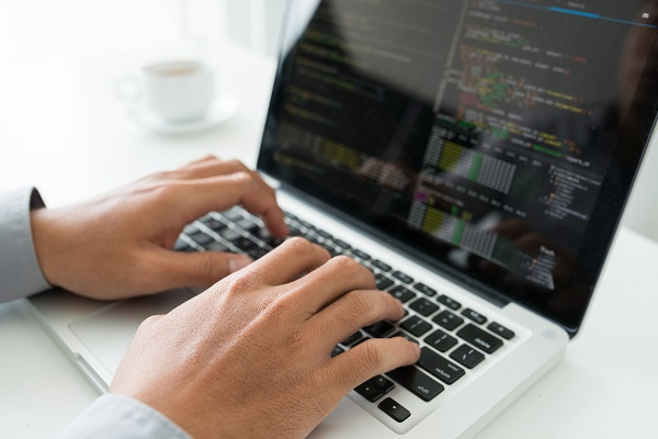 [git]remote addでリポジトリを追加する方法とは?ヘルプ表示や変更する方法についても紹介サムネイル