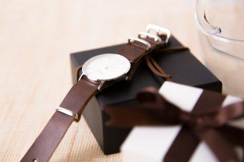 【仕事中に左腕を見たくなる…】エンジニアにおすすめの腕時計とスマートウォッチ