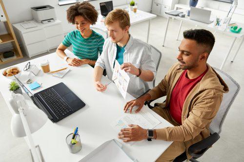 ITエンジニアに人気のビジネスチャットツールとそのメリットをご紹介