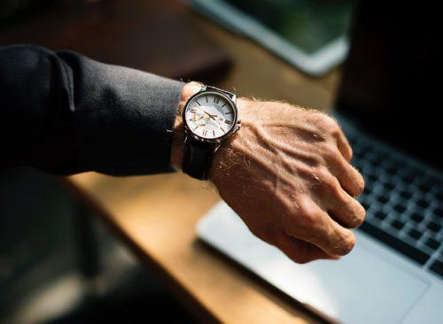 【エンジニアあるある】手首の痛みにはリストレストが効果があるかも。その理由とは