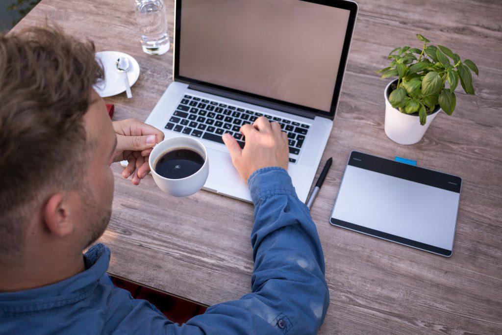 Salesforceの認定資格を維持するためには?資格の更新方法をご紹介サムネイル
